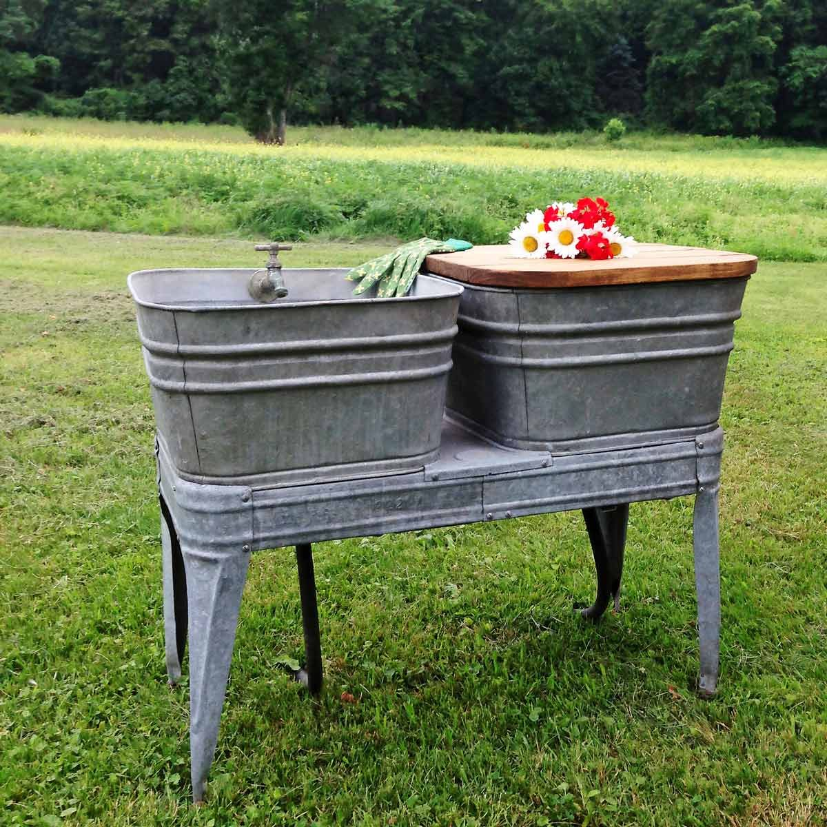 Cool Diy Outdoor Sink Powered By A Water Hose Asmallnation Uwap Interior Chair Design Uwaporg