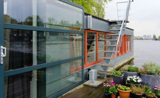 These 51 Airbnb Houseboats Are Like Living In A Floating