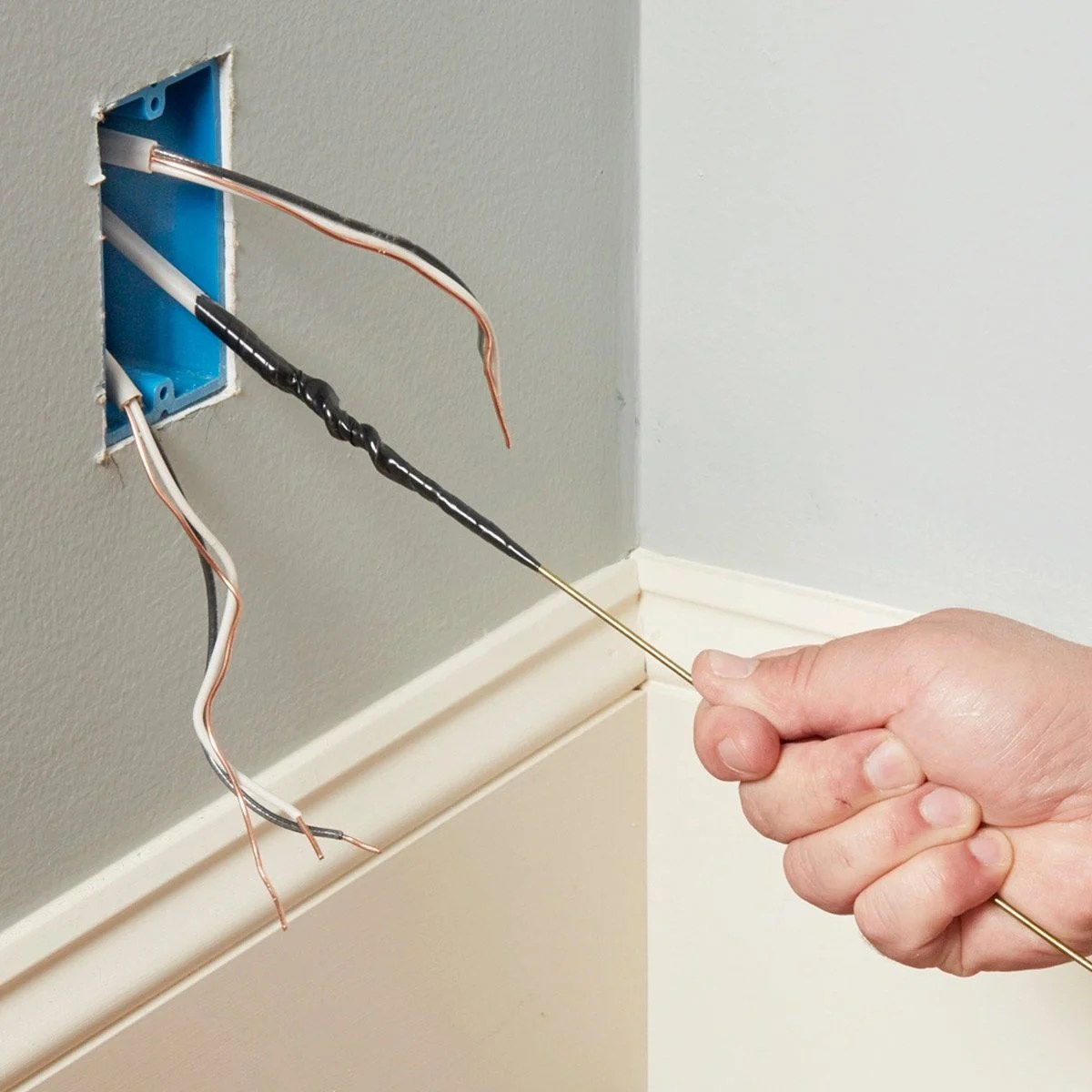 hight resolution of fishing wires through outlet