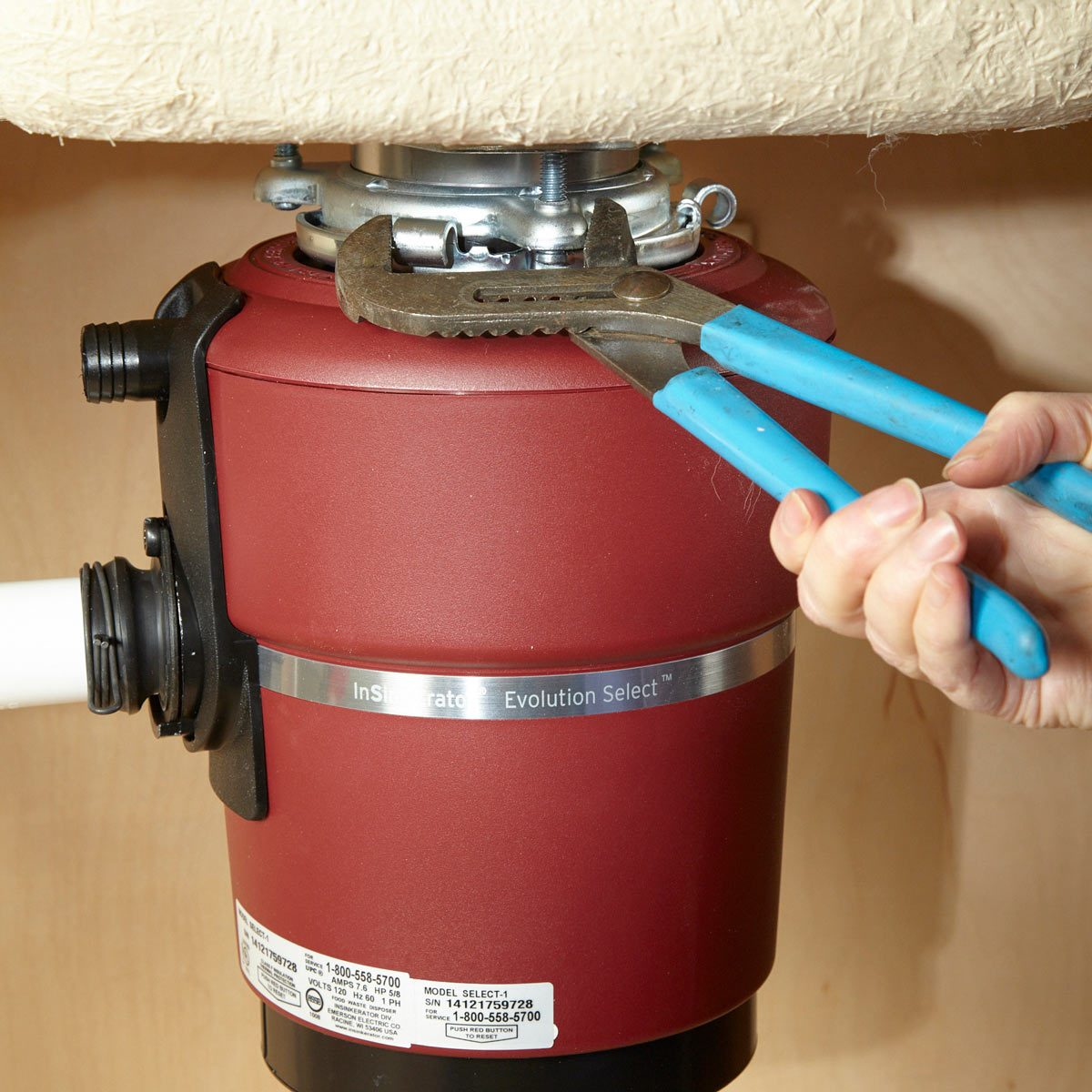 hight resolution of when you hang the new disposal rotating the lower mounting ring tightens the seal between the disposal and the sink flange the lower ring rides up a set