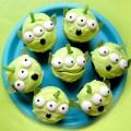 Holiday fun cute disney cake and cupcake ideas 50