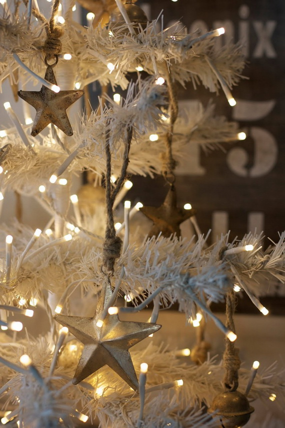 White And Gold Mantel Decorations Ideas Traditional Christmas Decor