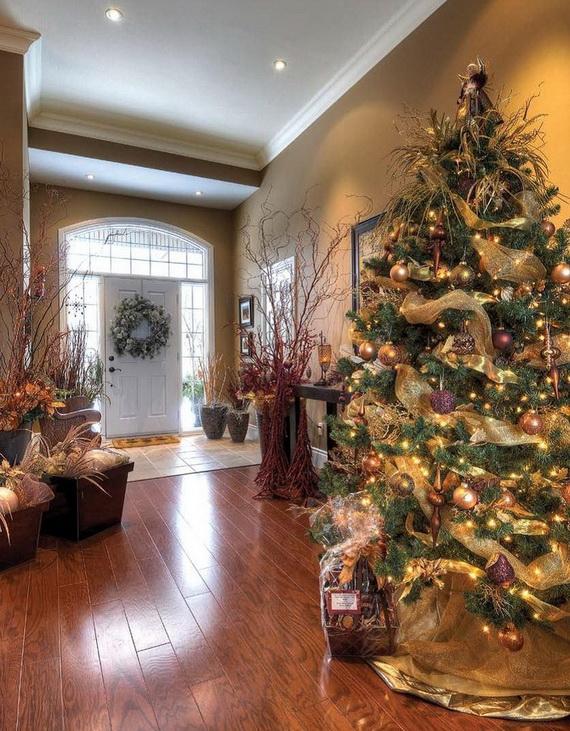 50 Fresh Festive Christmas Entryway Decorating Ideas  family holidaynetguide to family