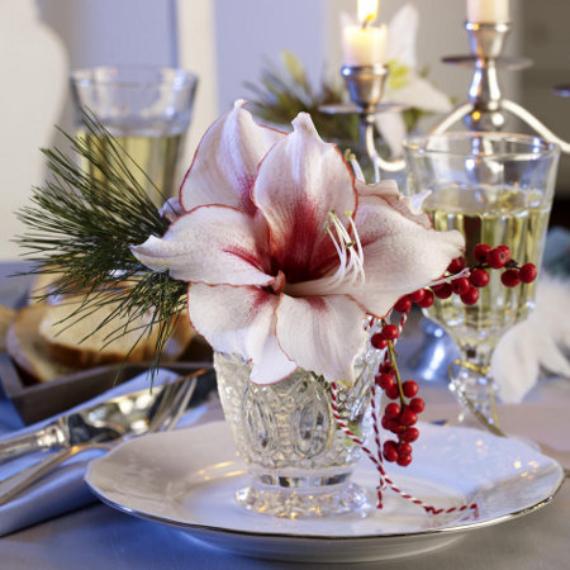 45 DIY Christmas Table Settingamp Centerpieces Ideas