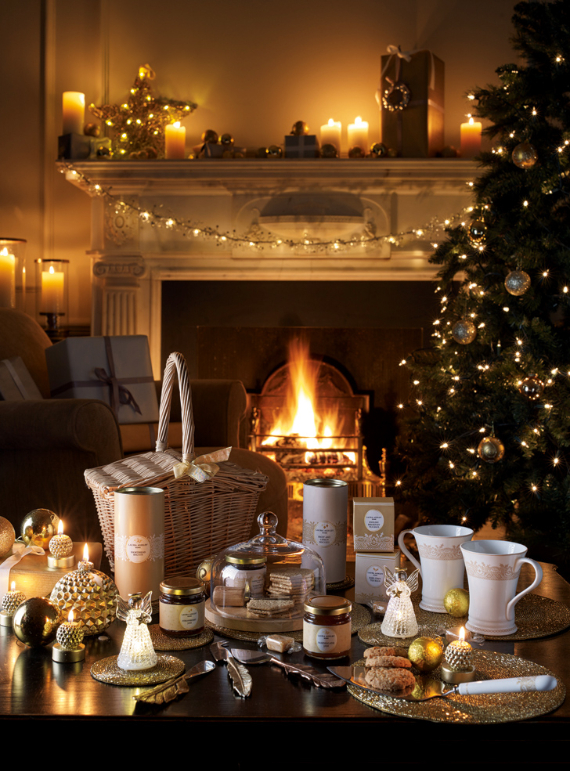 Family Room Christmas Decor Ideas