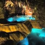 夏の観光におすすめ!神秘的な体験ができる有名な鍾乳洞10選