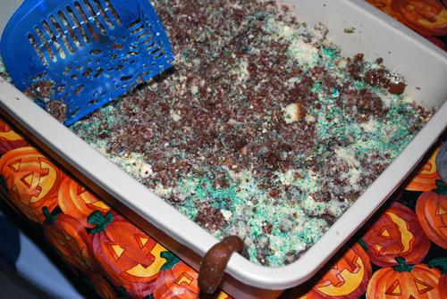 Kitty Litter Cake by FamilySpice.com