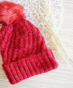 Ženska zimska kapa sa punđom