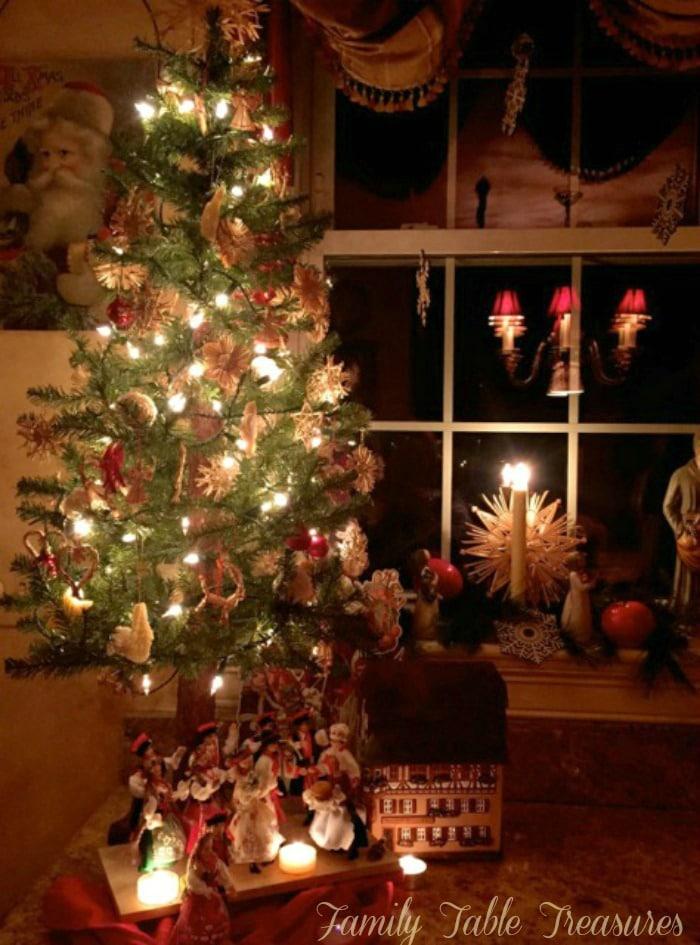 Old World Christmas Tree Family Table Treasures