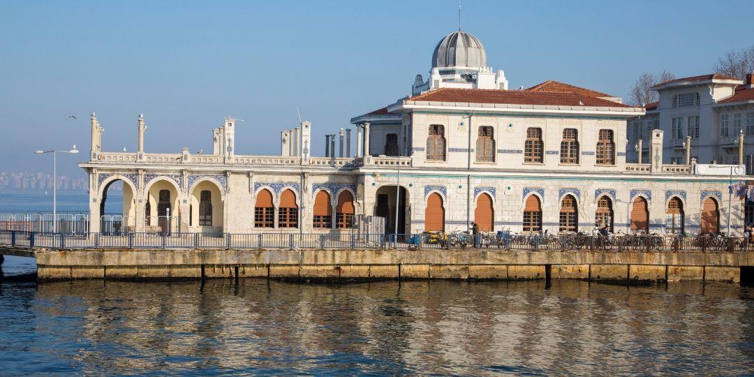 Take a ferry to Princes Island