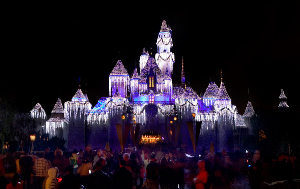 Two Overlooked Reasons to Visit Disney World During the Holidays