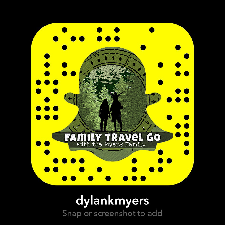 Family Travel Go Snapchat Logo