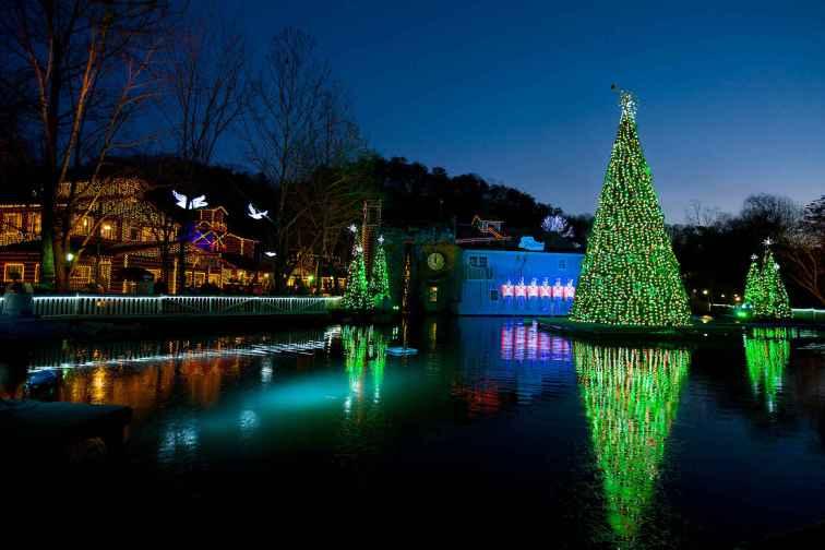 Smoky Mountain Christmas at Dollywood; Courtesy of Dollywood