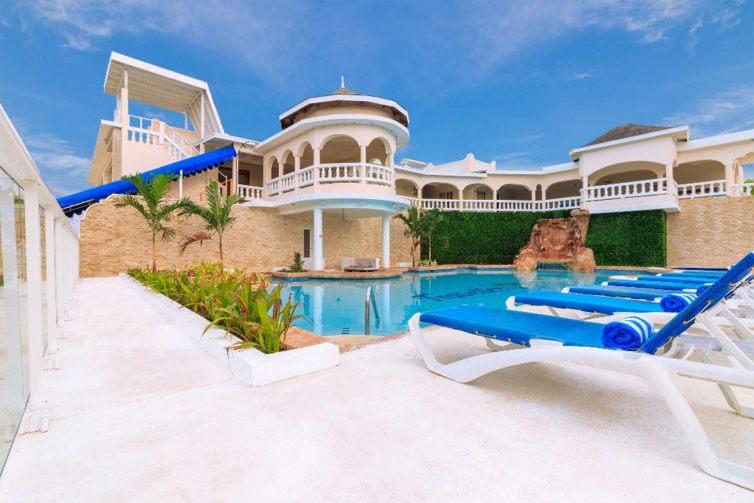 Travellers Beach Resort in Negril, Jamaica; Courtesy of Travellers Beach Resort