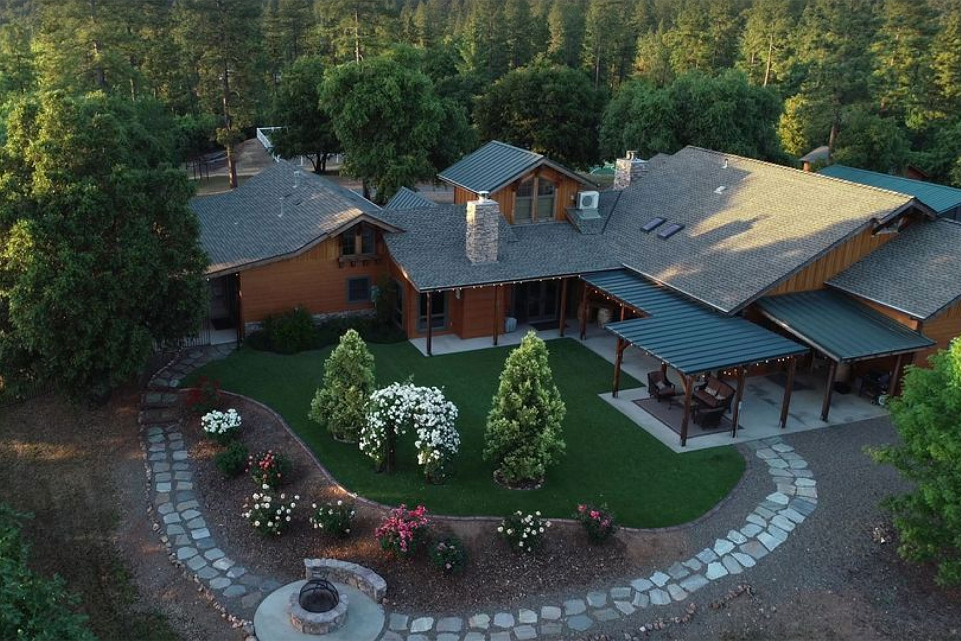 Dog & Pony Ranch Vacation Rental in Pine Grove, California; Courtesy of HomeAway