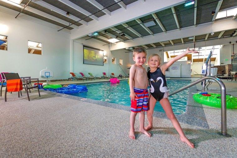 Kids at Pool at Ridgeline Hotel in Estes Park, Colorado; Courtesy of Ridgeline Hotel
