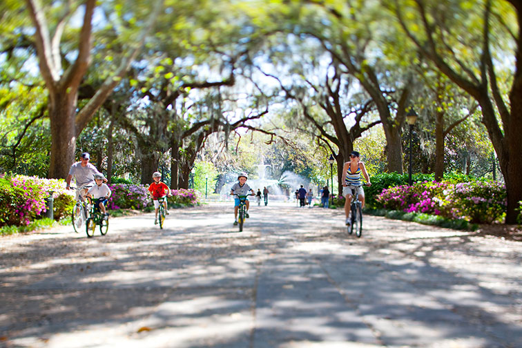 Family Bike Riding in Forsyth Park in Savannah, Georgia