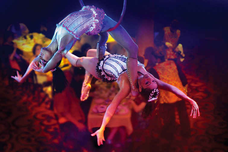 Cirque Dreams and Dinner – Norwegian Epic and Getaway