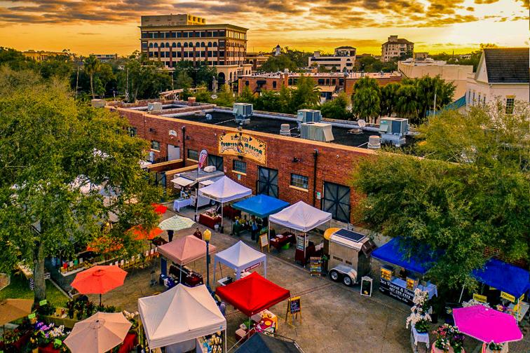 Farmers market ; Courtesy of Visit Orlando
