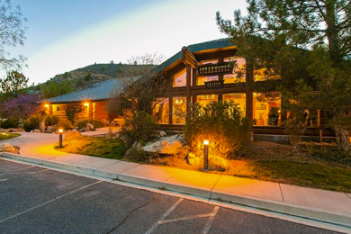 An exterior shot of Majestic View Lodge in Zion National Park.