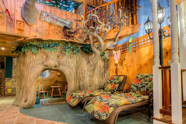 The TreeHouse Suites at Adventure Suites in North Conway, N.H.; Courtesy of Adventure Suites