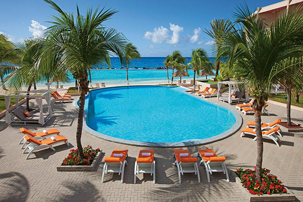 The pool at SunScape Curacao Resort, Spa & Casino.