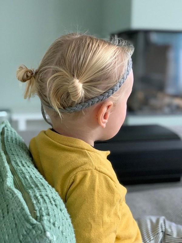 Gevlochten haarbandje grijs