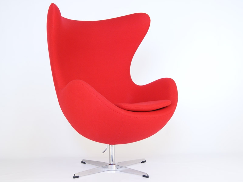 arne jacobsen egg chair over the beach towels - red