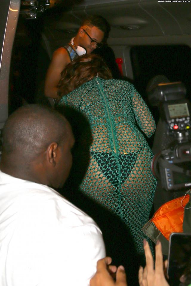 Rihanna No Source Beautiful Babe Paparazzi Posing Hot Celebrity