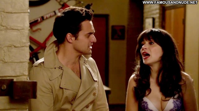 Zooey Deschanel New Girl Bra Famous Gorgeous Showing Tits