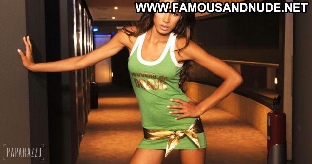 Raica Oliveira Hot Celebrity Celebrity Cute Famous Posing Hot Posing
