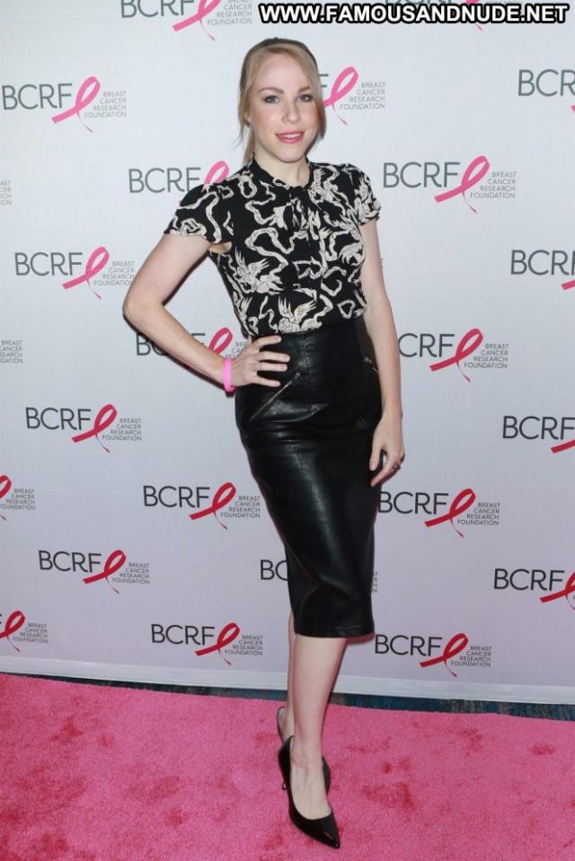 Emma Myles No Source Posing Hot Beautiful Babe Paparazzi Celebrity