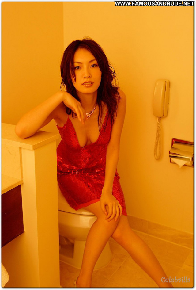 Nao Nagasawa Posing Hot Babe Beautiful Celebrity Singer Japanese