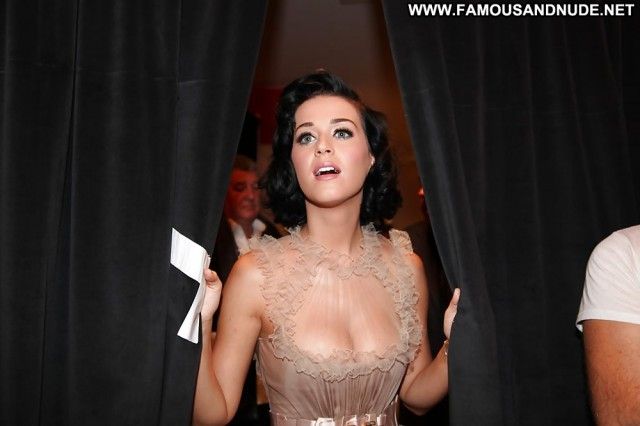 Katy Perry Pictures Amateur Celebrity Gorgeous Nude Scene Sexy Posing