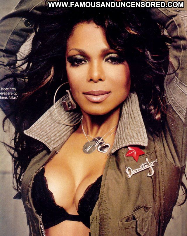 Janet Jackson Posing Hot Celebrity Famous Ebony Sexy Babe Posing Hot