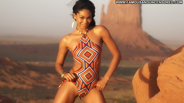 Chanel Iman Sports Illustrated Swimsuit Posing Hot Swimsuit Sports