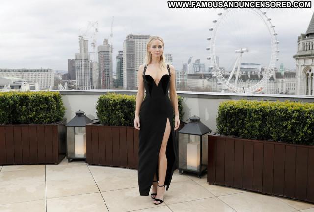 Anne De Paula Anna Nicole Videos London Desi Hat Car Summer Bra Nude