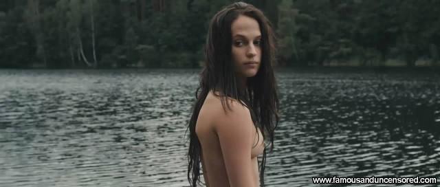 Alicia Vikander Kronjuvelerna Nude Scene Beautiful Sexy