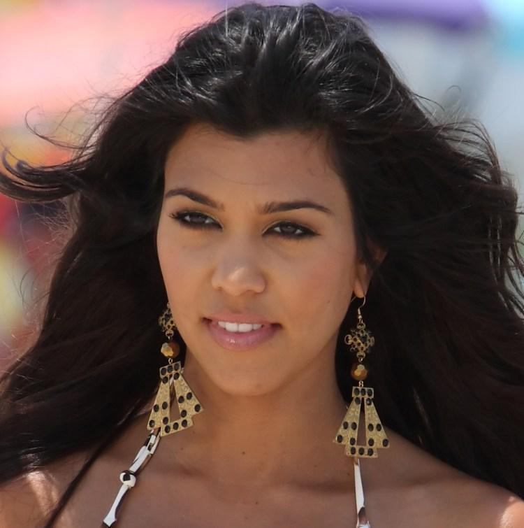 Kourtney Kardashian Net Worth (2020), Height, Age, Bio and ...