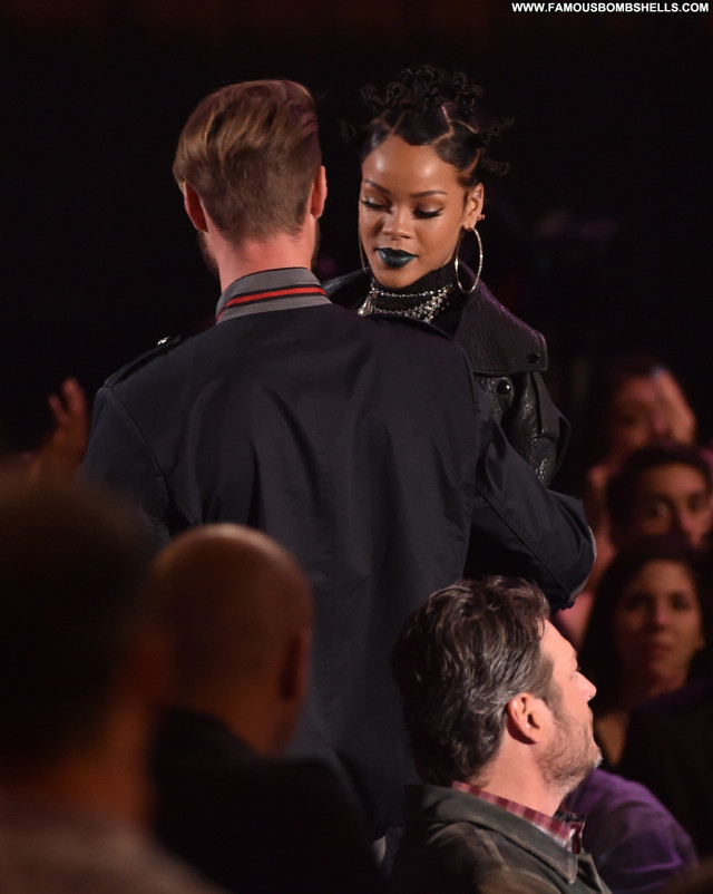 Rihanna Los Angeles Babe Posing Hot Awards Celebrity Beautiful Female