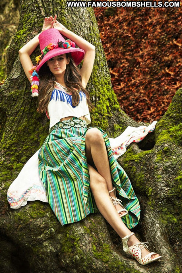 Victoria Justice S Magazine Posing Hot Paparazzi Latina Babe