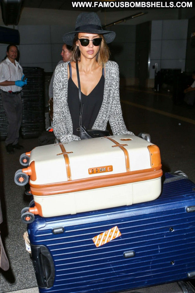Jessica Alba Lax Airport Beautiful Lax Airport Celebrity Posing Hot