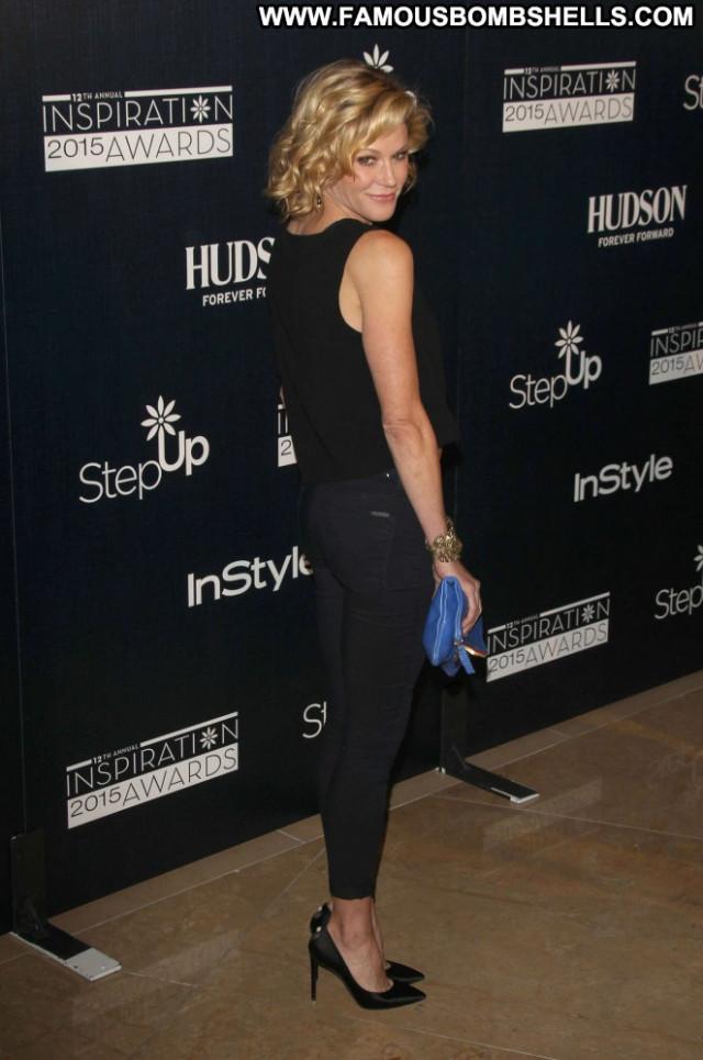 Julie Bowen Beverly Hills Posing Hot Beautiful Celebrity Awards