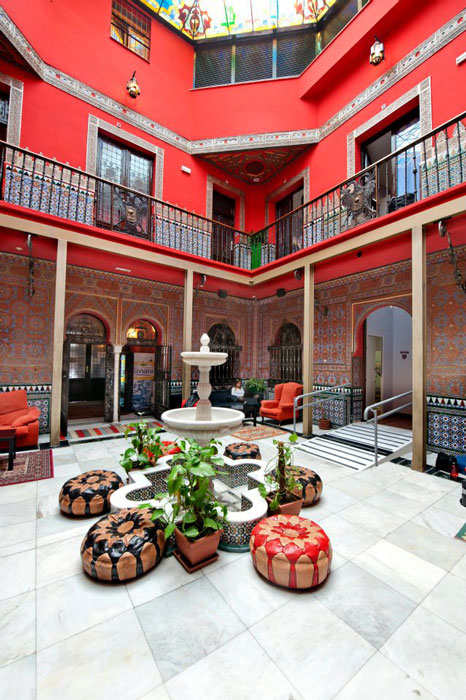 Cats Hostel backpackers party accommodation in Madrid