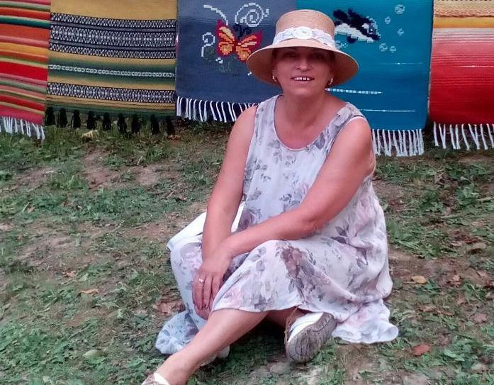 Веселка Маринова Йорданова – педагог, арт терапевт, фамилен консултант.