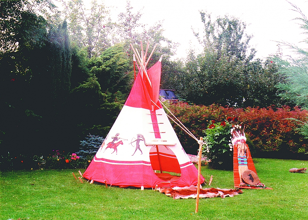Childrens tipis  FamWest natural tents