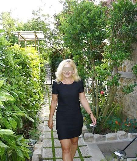 Alexandra, 52 ans, cherche un jeune amant rapidement