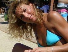 Cécile, veuve de 44 ans, sans enfants, du 37, recommencerait bien sa vie avec h max 55 ans