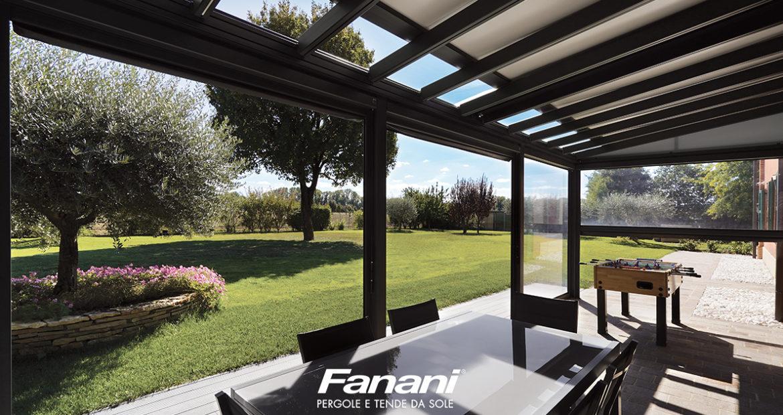 Il design delle tende da esterno è semplice ma elegante, per tende che si adattano alle abitazioni,. Tende Per Esterni In Pvc Cristal Panorami Unici E Massima Protezione
