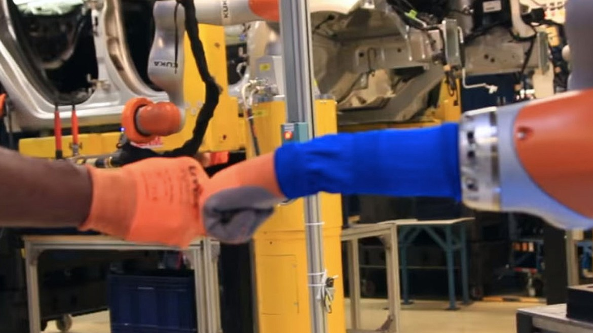 Ford rolls out collaborative robots and ringfences workers jobs